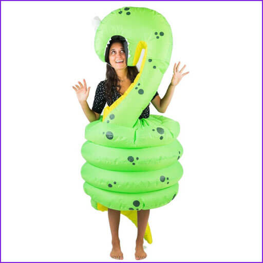 disfraz serpiente comiendo